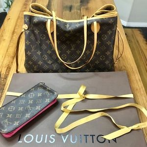 Louis Vuitton Neverfull Tote Monogram Canvas GM
